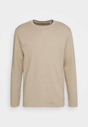 Long sleeved top - crockery