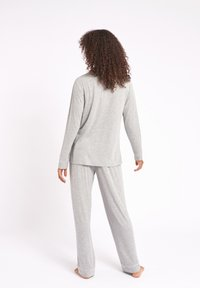 Chelsea Peers - Pyjamas - grey - 1