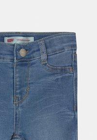 Levi's® - 710 SUPER SKINNY - Skinny džíny - blue denim - 2