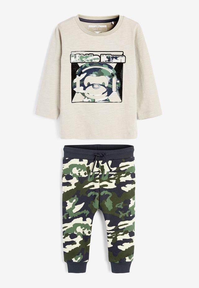 MONKEY - Teplákové kalhoty - khaki