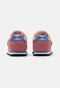 New Balance - IV373KPP - Sneakers basse - pink/grey - 2