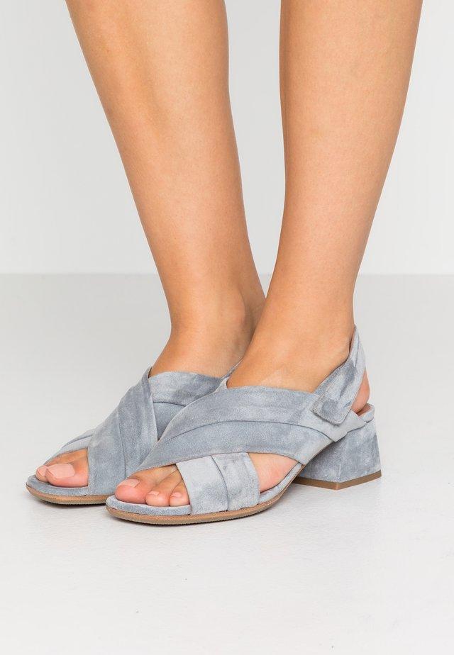 Sandaalit nilkkaremmillä - veronica
