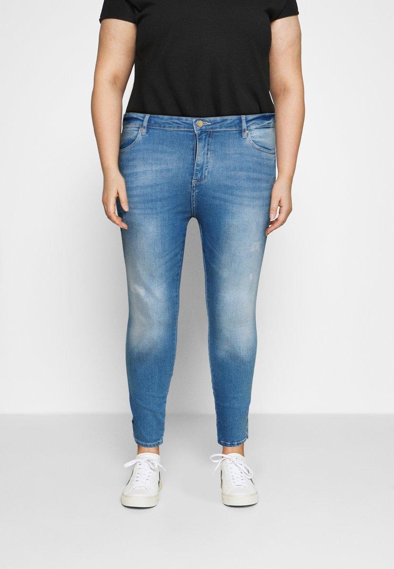 ONLY Carmakoma - CARLAOLA LIFE - Skinny džíny - special bright blue denim