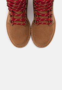 Sorel - LENNOX LACE - Lace-up ankle boots - cognac - 5