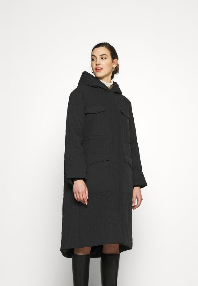 SLFLORY QUILTED COAT - Płaszcz wełniany /Płaszcz klasyczny - black