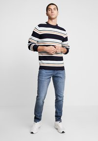 Amsterdenim - JOHAN - Jeans Tapered Fit - regenwolk - 1