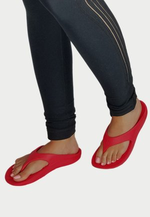 Pool shoes - fresh cranberry