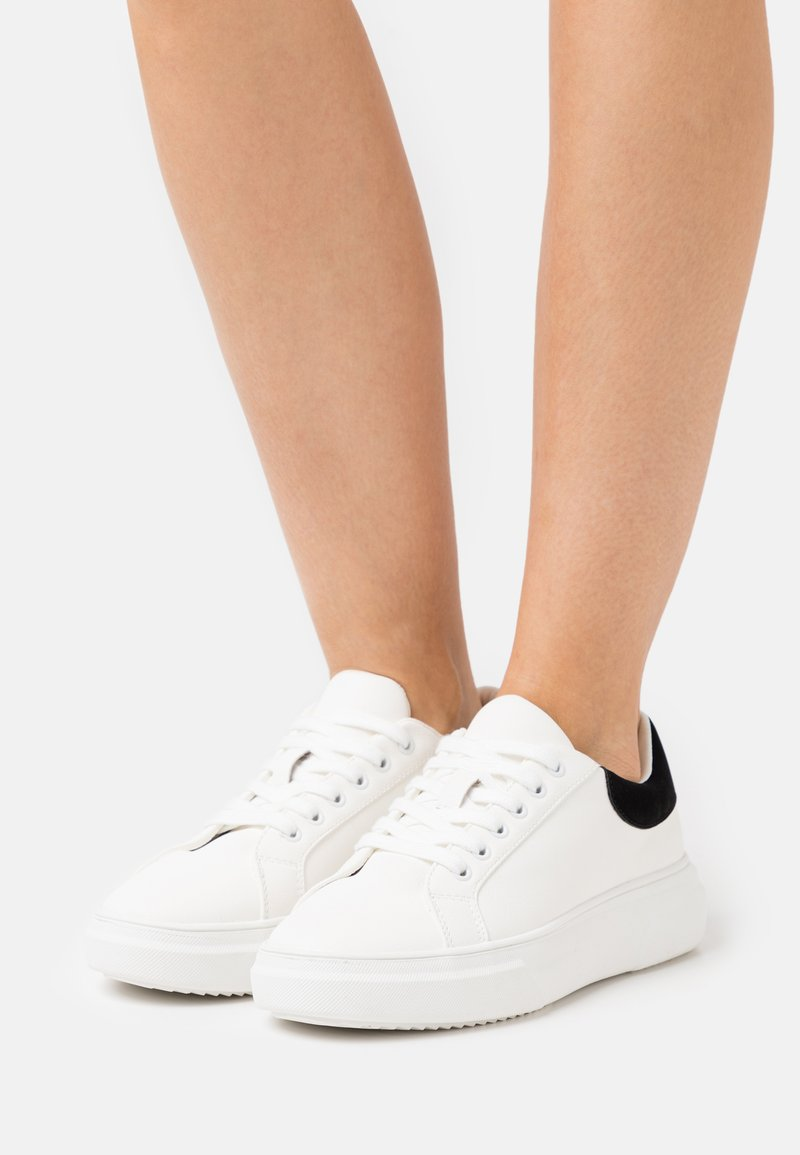 Miss Selfridge - TEIGAN CHUNKY LACE UP TRAINER - Trainers - white