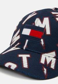 Tommy Hilfiger - BIG FLAG  - Cap - blue - 3