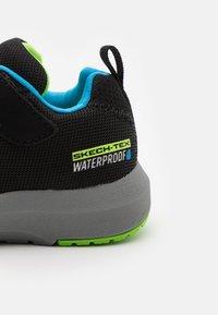 Skechers - DYNAMIC TREAD - Trainers - black/blue/lime - 5