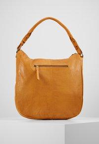FREDsBRUDER - JUMP - Handbag - mango - 3