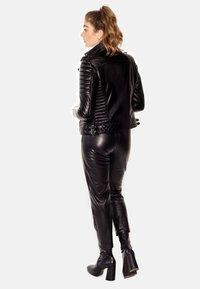 LEATHER HYPE - ALEX PERFECTO - Læderjakker - black with darkened silver accessories - 2