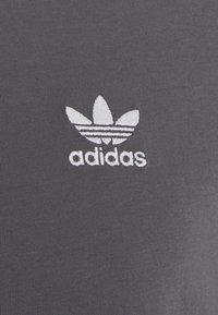 adidas Originals - ESSENTIAL TEE - T-shirt basique - grey five - 2