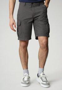 Napapijri - N-ICE CARGO - Shorts - dark grey solid - 0
