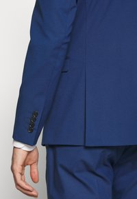 Selected Homme - SLHSLIM MYLOLOGAN SUIT - Kostuum - blue - 8