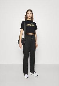 Ellesse - PRESEPE - T-shirts print - black - 1