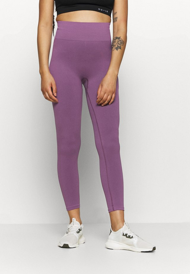 HIGH WAIST COMPRESSION SEAMLESS  - Collants - purple