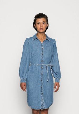 ONLROCCO LIFE LS MD  DNM DRESS - Spijkerjurk - medium blue denim