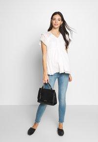 Pietro Brunelli - Slim fit jeans - light stoned - 1
