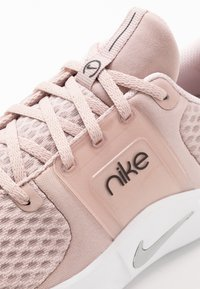 Nike Performance - RENEW IN-SEASON TR 10 - Sports shoes - stone mauve/metallic silver/barely rose - 5