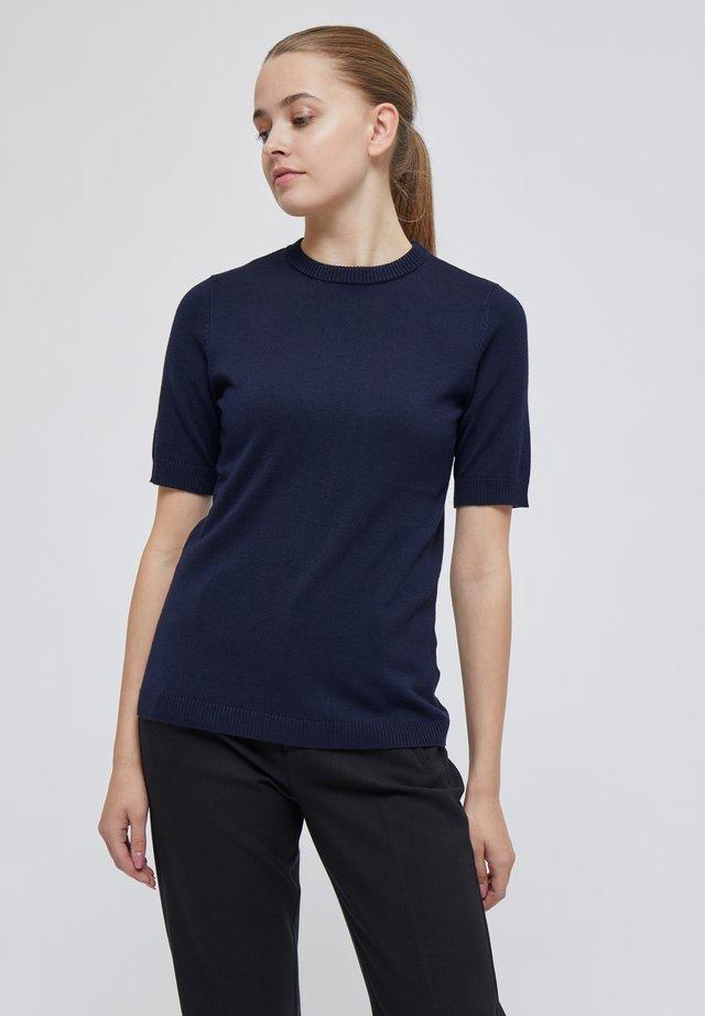PAMELA TEE - T-shirt basic - black iris solid
