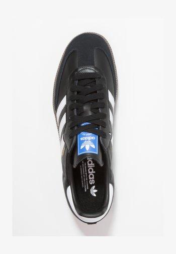 SAMBA - Sneakers basse - cblack/ftwwht/gum5