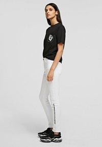 KARL LAGERFELD - Trousers - white denim - 3