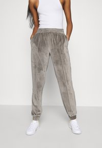 ONLY - ONLALVA PANT  - Tracksuit bottoms - charcoal gray - 0