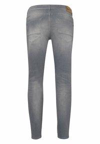 BRAX - STYLE CHRIS - Slim fit jeans - luminous grey used - 6