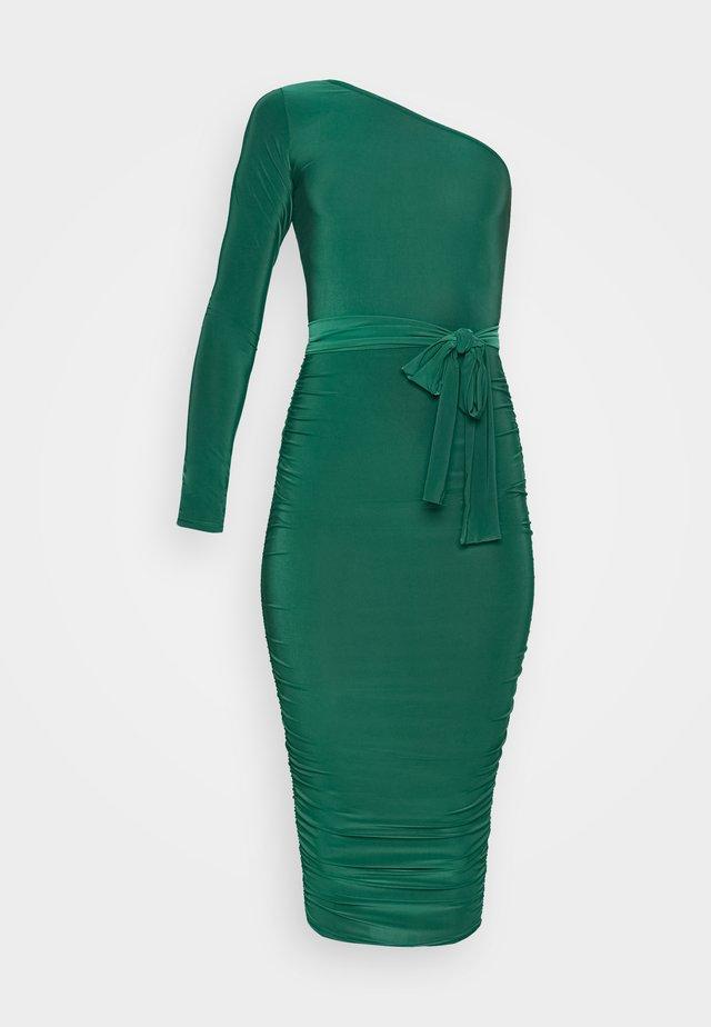 ONE SHOULDER SLINKY MIDI DRESS - Jerseykleid - green