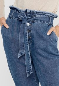 ONLY - HIGH WAIST ONLJANE HW BUTTON PAPERBAG BELT - Relaxed fit jeans - medium blue denim - 3