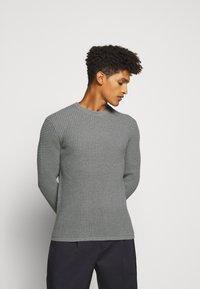 Theory - PHANOS CREW - Pullover - grey heather - 0