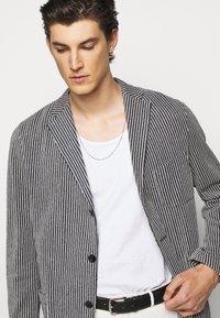 Boglioli - Blazer jacket - dark blue/white - 3