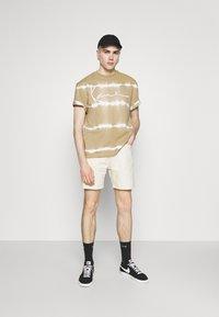 Tiger of Sweden Jeans - JIN - Denim shorts - ecru denim - 1