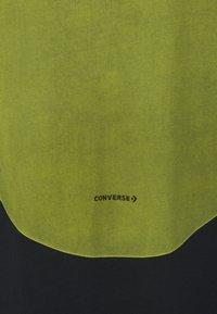Converse - SHAPES GRAPHIC BOX TEE UNISEX - Print T-shirt - black - 2