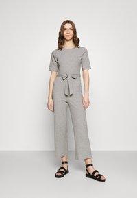 Even&Odd - BASIC - Ribbed short sleeves belted jumpsuit - Jumpsuit - mottled grey - 0