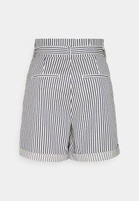 Vero Moda Tall - VMEVA PAPERBAG  - Shorts - snow white/navy blazer - 1