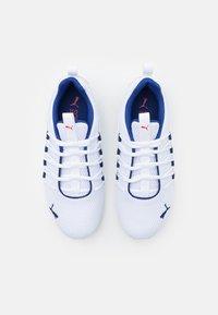Puma - AXELION LS - Chaussures d'entraînement et de fitness - white/elektro blue - 3