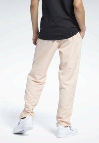 Reebok Classic - CLASSICS TRACKSUIT BOTTOMS - Pantaloni sportivi - orange - 2