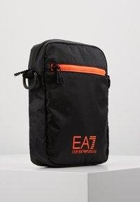 EA7 Emporio Armani - Axelremsväska - black / neon / orange - 3