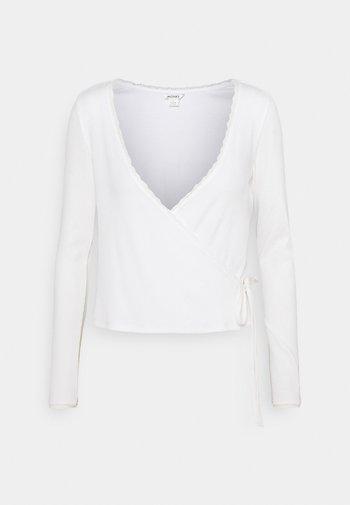 Long sleeved top - white light