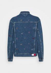 Tommy Jeans - TRUCKER JACKET - Denim jacket - denim light - 9