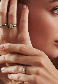 Isabel Bernard - Ring - weißgold - 0