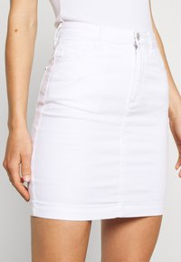 Missguided - SUPER STRETCH SKIRT - Jupe crayon - white - 5