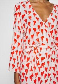 Fabienne Chapot - WINNI DRESS - Kjole - off-white/red - 5