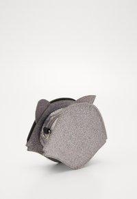 Molo - FOX BAG - Taška spříčným popruhem - glitter - 3