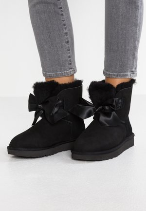 GITA BOW MINI - Classic ankle boots - black