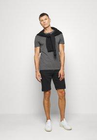 Pier One - Basic T-shirt - mottled dark grey - 1