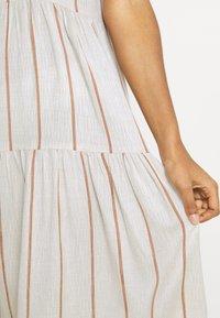 YAS - YASTRIMLA STRAP DRESS  - Korte jurk - tapioca - 4