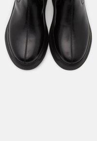 Vagabond - INDICATOR - Platform ankle boots - black - 5